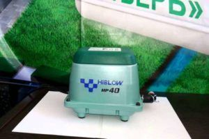 Японский компрессор марки Hiblow, которым оснащена автономная канализация «Тверь»